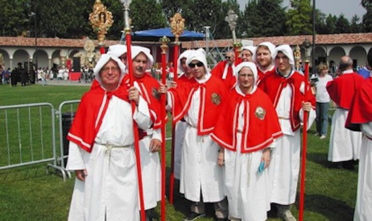Foto di gruppo confraternita