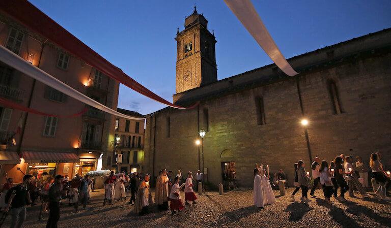 Processione-Parrocchia-Bellagio-San-Giacomo